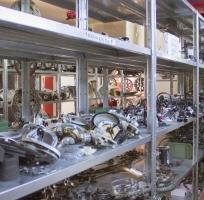 vari tipi di tachimetro ducati usati ed altri pezzi di ricambio