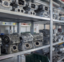 we have plenty of spare engines, ckecked one by one, all original and functional
